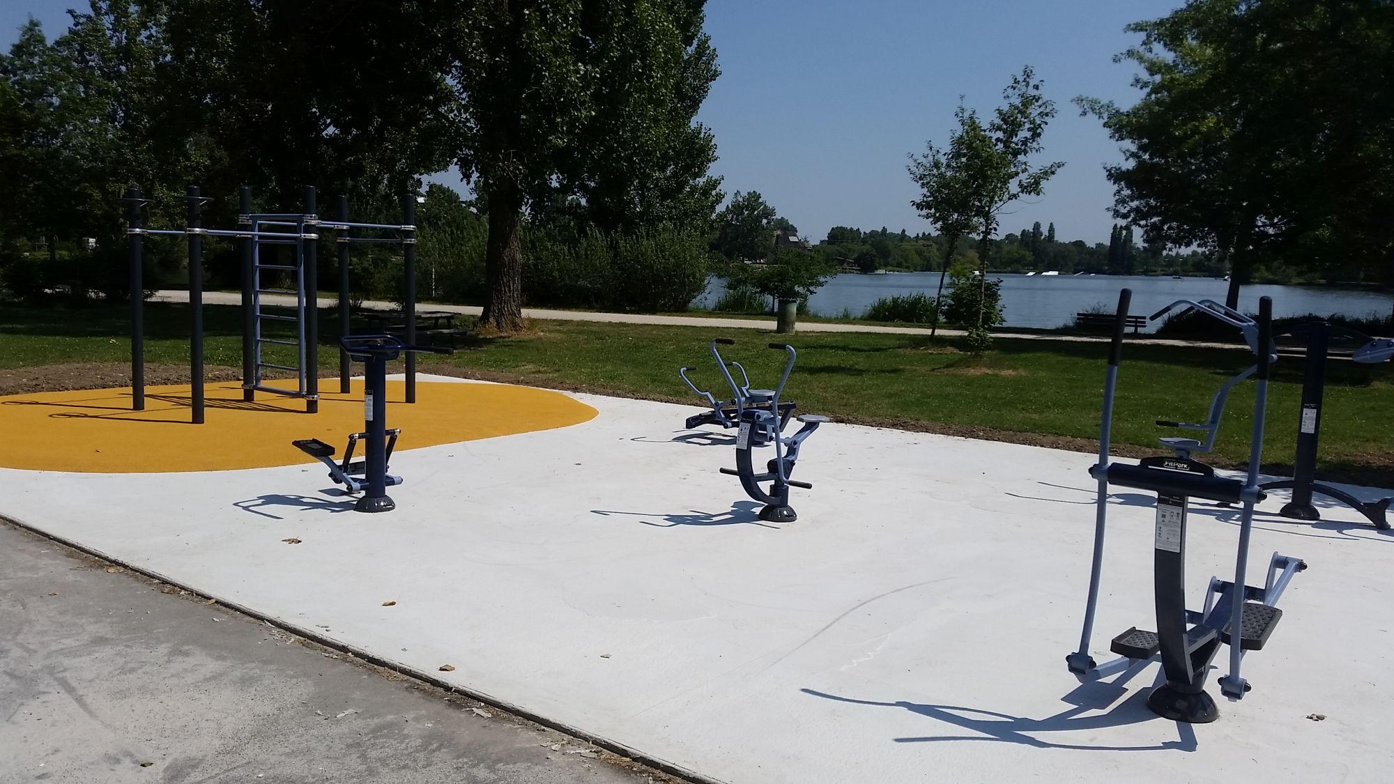 aménagement d'espaces sportifs avec équipements agrès