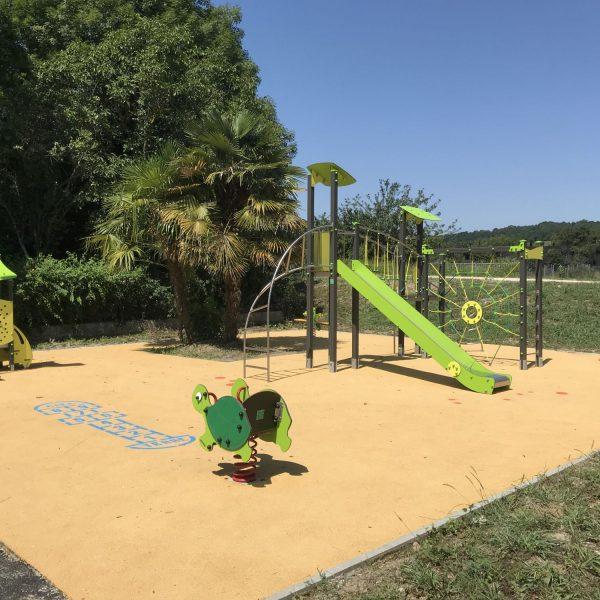 aire de jeux pour enfants Prat Bonrepaux Ariège